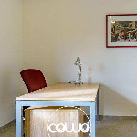 Scrivania allo spazio Coworking Crotone